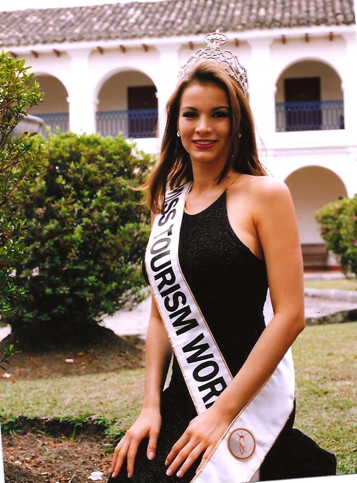 Maria Mercedes Ruiz Orozco Miss Tourism Winner 1997