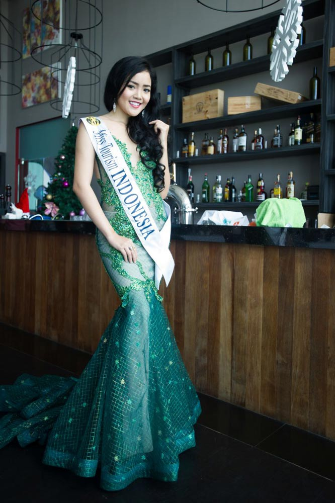 Indonesia-Evening-Gown-sash