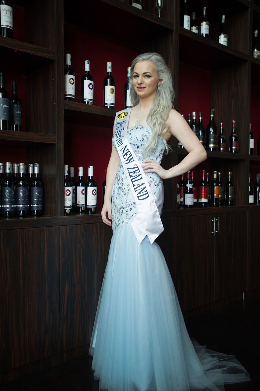2015-New-Zealand-Evening-gown-sash