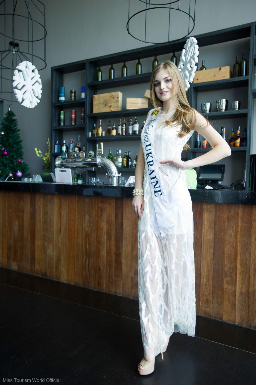 2015-Ukraine-Evening-gown-sash